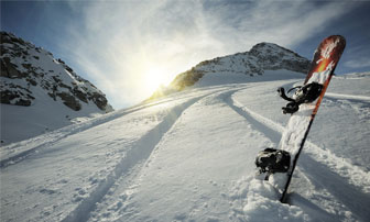 Skiing / Snowboarding Image